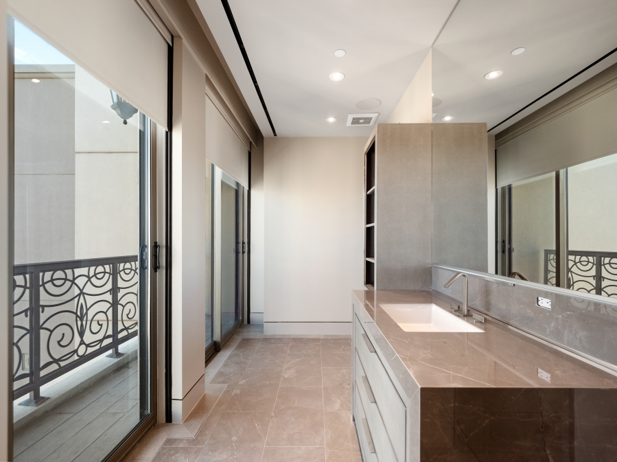 1 Hughes Center Drive #1901 | SEAMLESS & REFINED