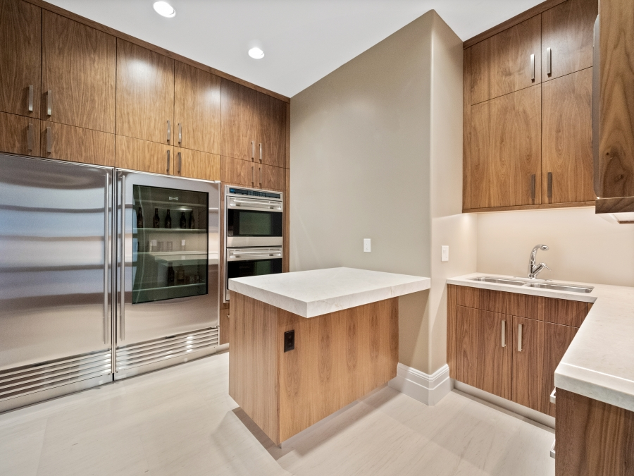 587 St Croix Street | Catering Kitchen