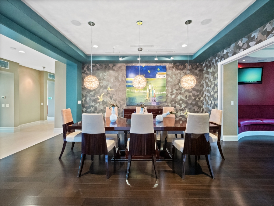 587 St Croix Street | Formal Dining