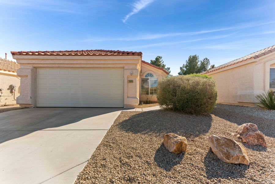7629 Buckskin Avenue | BUCKSKIN AT NOON