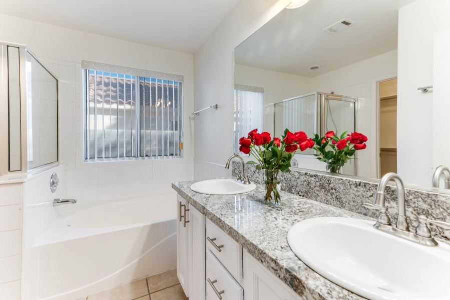 7629 Buckskin Avenue | MASTER BATHROOM